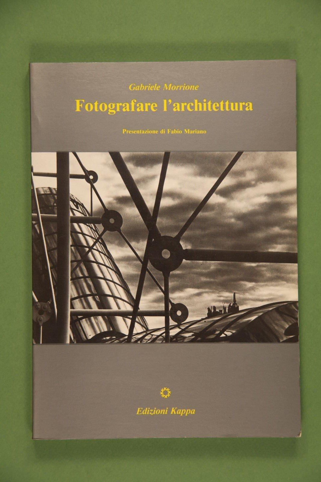 """Copertina del libro """"Fotografare l'architettura"""" di Gabriele Morrione"""
